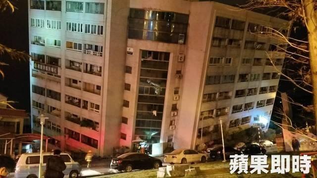 Image result for 台灣地震 酒店 花蓮