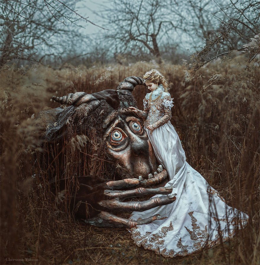 """I created this monster and photographed tale of Beauty and the Beast 5a54a89336d00  880 - Ces illustration de la """"Belle et le Bête"""" sont absolument remarquables"""