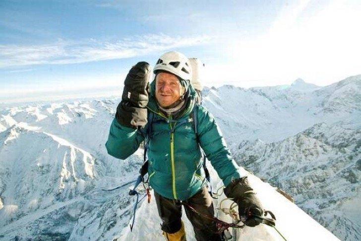 ap 1 - Una alpinista tuvo que dejar abandonado a su compañero de expedición congelándose sin remedio