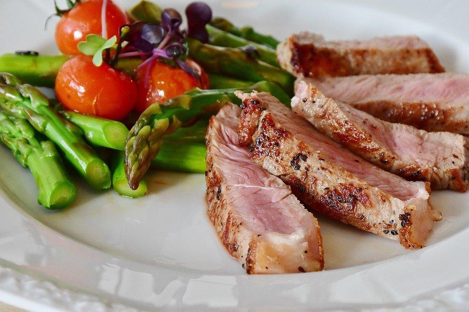 아스파 라 거스, 스테이크, 송아지고기 스테이크, 송아지 고기, 고기, 핑크, 바베큐, 녹색