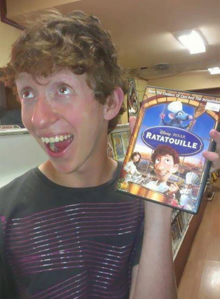 cartoon real life lookalikes 38 57d69946dc6a8  700 - A semelhança dessas pessoas com personagens de animações da Disney vai te impressionar!