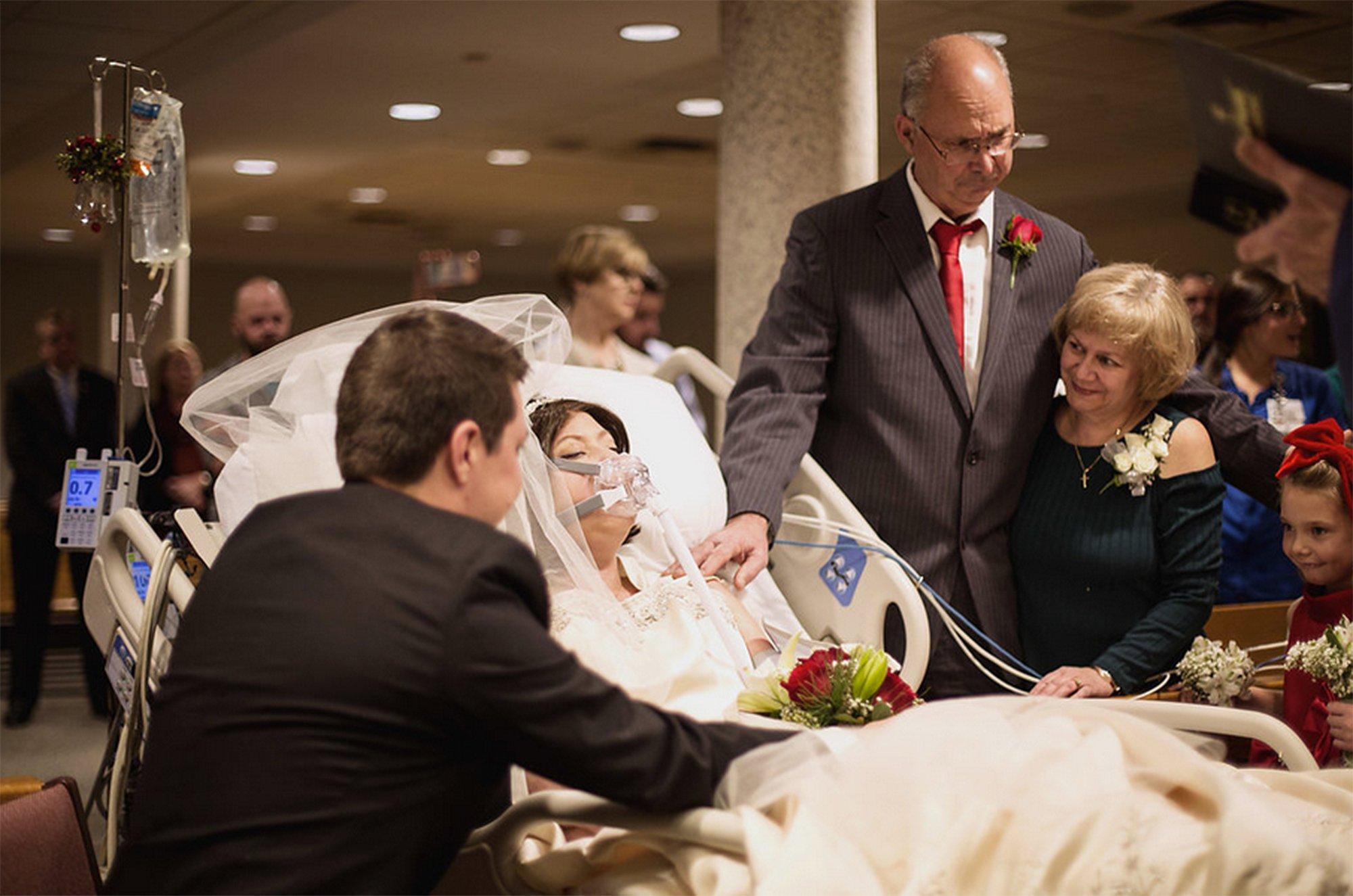 heather mosher 6 - Una pareja decide casarse aunque ella estaba a punto de morir de cáncer, 18 horas después él quedó viudo.