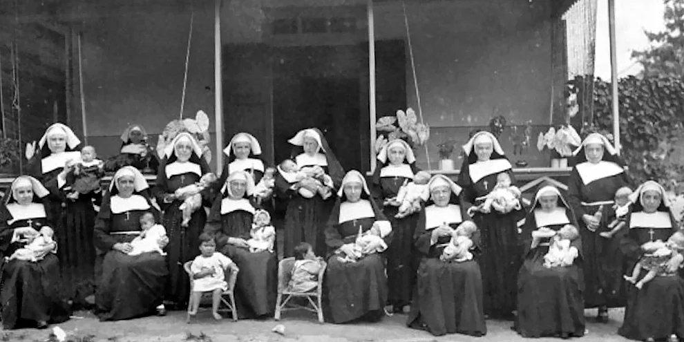 s ipjVYhqCvsuTKOnNKuNiwecWarQ - La trágica historia de las monjas embarazadas