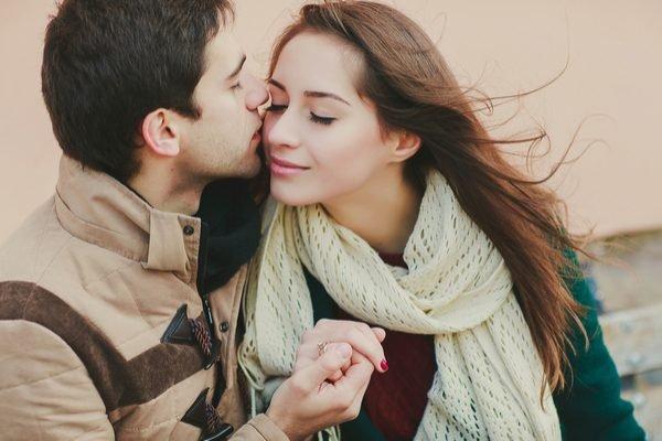 キス 唇が触れる에 대한 이미지 검색결과