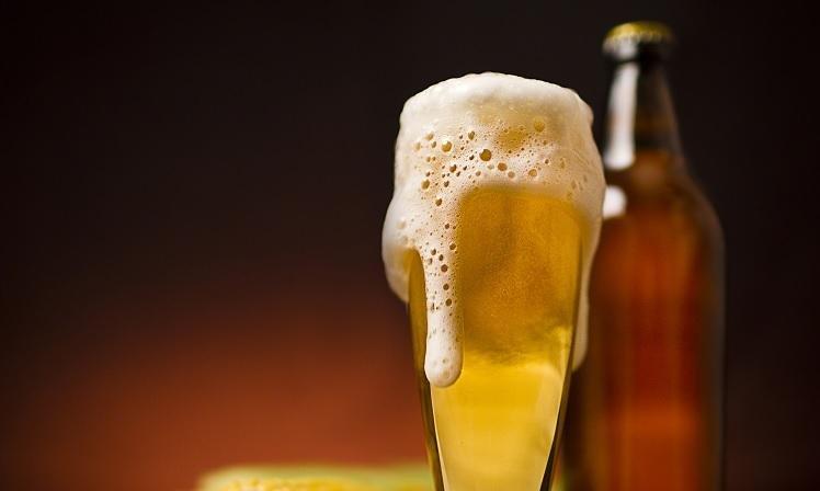 cerveja melhor dor 300x180 - Nutricionistas explicam: Uma lata de cerveja tem as mesmas calorias de um pão francês