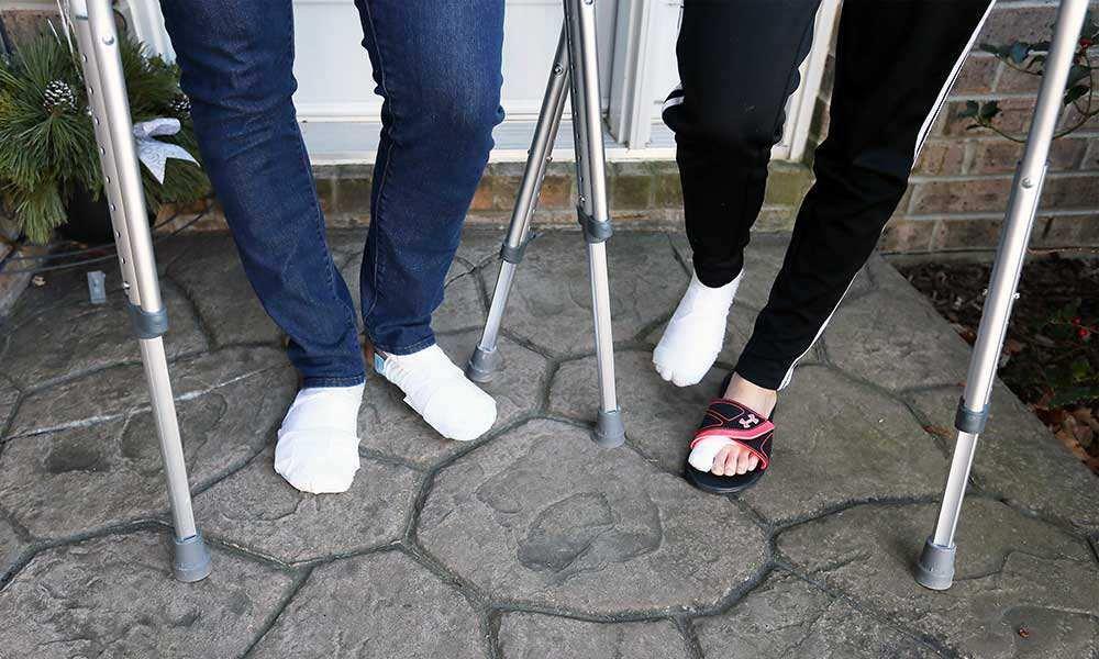 couple warns parasitic hookworms feet 04a - Couple Warns Of Parasitic Hookworms From Caribbean Beach