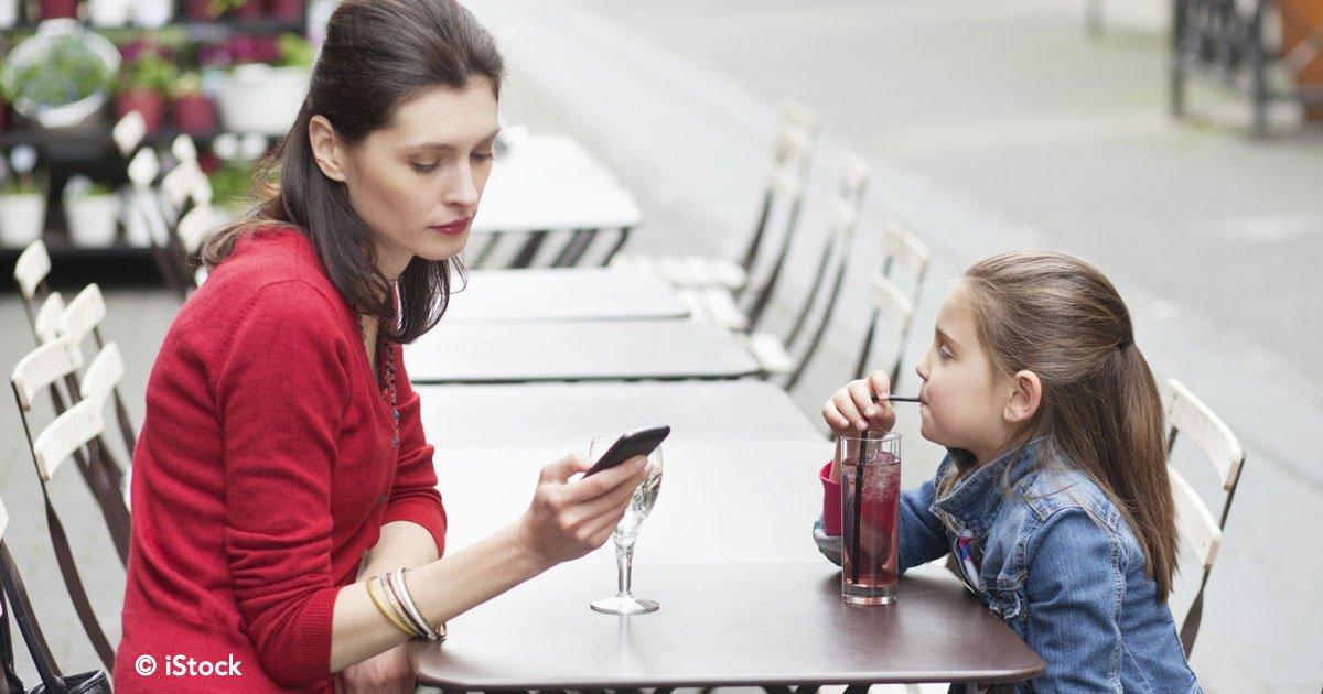 cover 71.jpg?resize=1200,630 - Estudio científico confirma que los padres adictos a sus celulares afectan la conducta de sus hijos