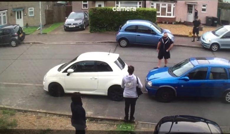 drive-bloqué-par-voisins-propriétaires-géant-neveu-donne-apt-réponse