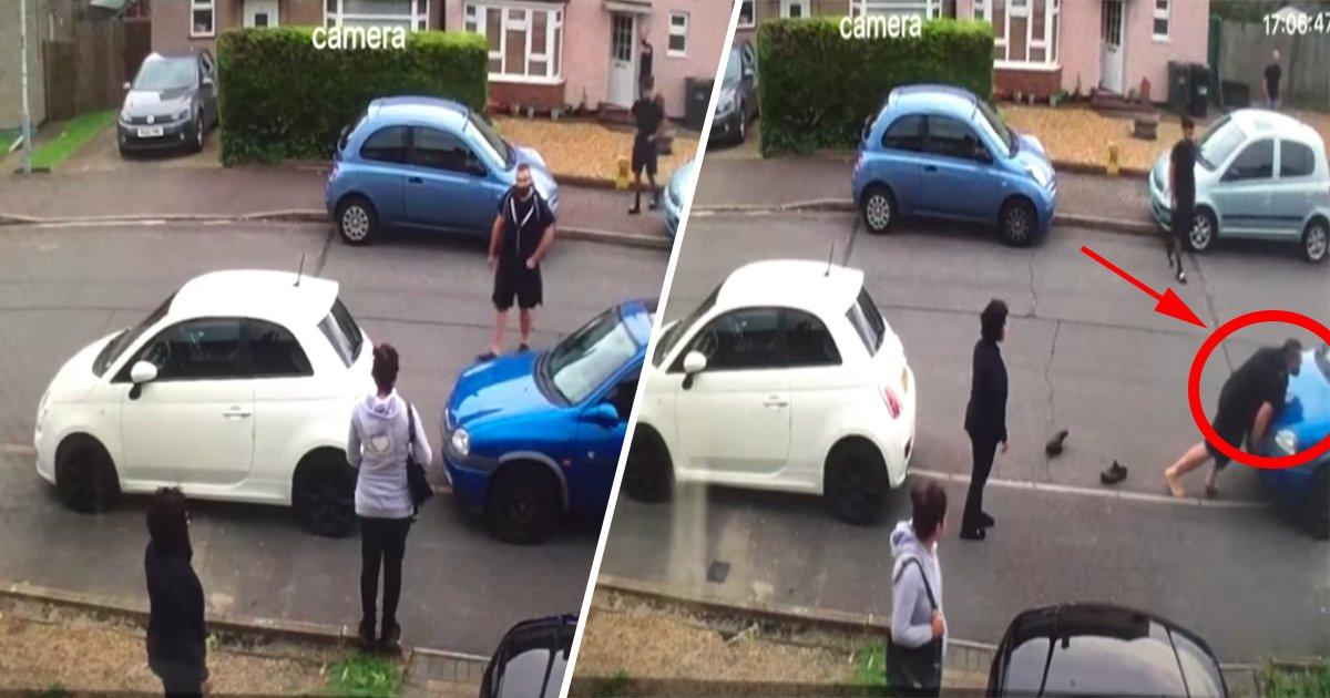 ec8db8eb84ac1 2 - Un voisin persiste à bloquer l'allée d'une femme. Son neveu résout le problème à la seule force de ses bras.