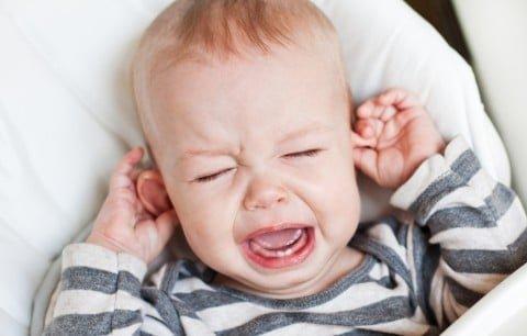 赤ちゃん 泣く 手足口病