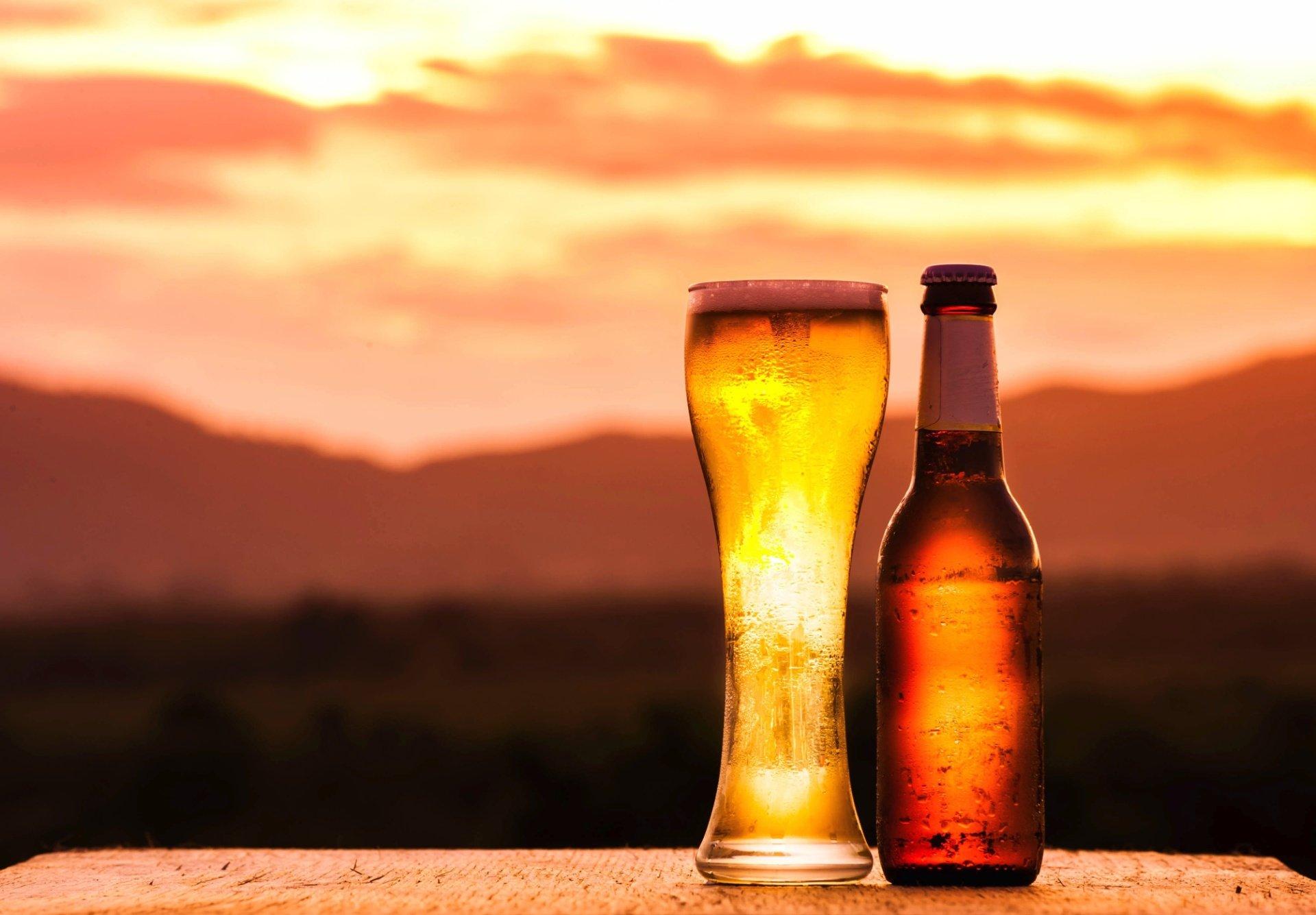 imagem de cerveja generica na praia garrafa de cerveja bebida 1451740729687 1920x1335 300x209 - Nutricionistas explicam: Uma lata de cerveja tem as mesmas calorias de um pão francês
