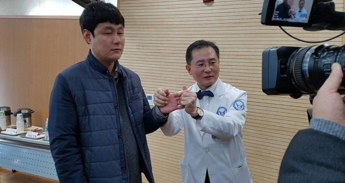 img - 국내 최초로 팔 이식 수술 받은 손진욱씨 근황