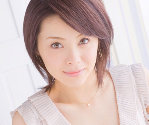 img 5a8457a817a6f.png?resize=648,365 - 松浦亜弥の今は!?実は活動を再開させていた!?