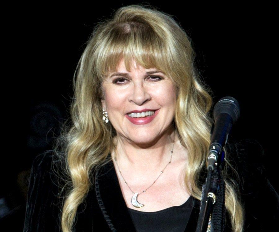 stevie nicks teary award speech stevie nicks 3 - Stevie Nicks' Teary Award Speech For Her Dear Friend