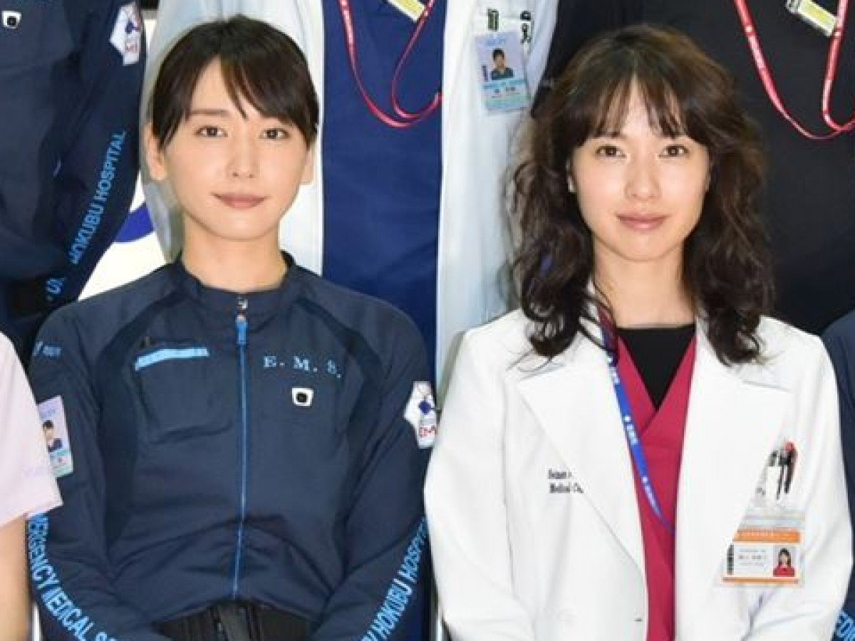 Image result for 戸田恵梨香 新垣結衣 クランクアップ