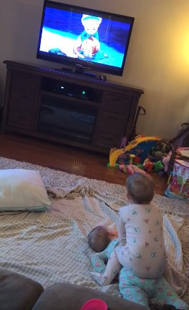 136 - Twins Copying Characters From The Frozen While Mom Thinks They Are Just Watching It