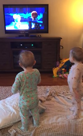 2222222 - Twins Copying Characters From The Frozen While Mom Thinks They Are Just Watching It
