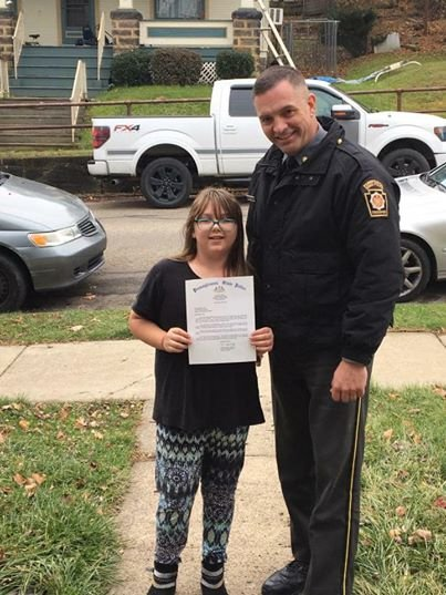 25353808 2032744610083866 8028432283722720658 n - 9-Year-Old Girl Gives A Letter To The Police With $10 Bill Stuffed Inside