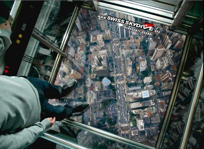 3956660 swissskyelevator 1518420485 650 9e58e57e89 1519920638 - 15 increíbles y creativos anuncios publicitarios colocados en ascensores que te sorprenderán