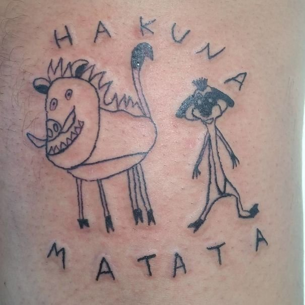 O artista é especialista em tatuagens feias