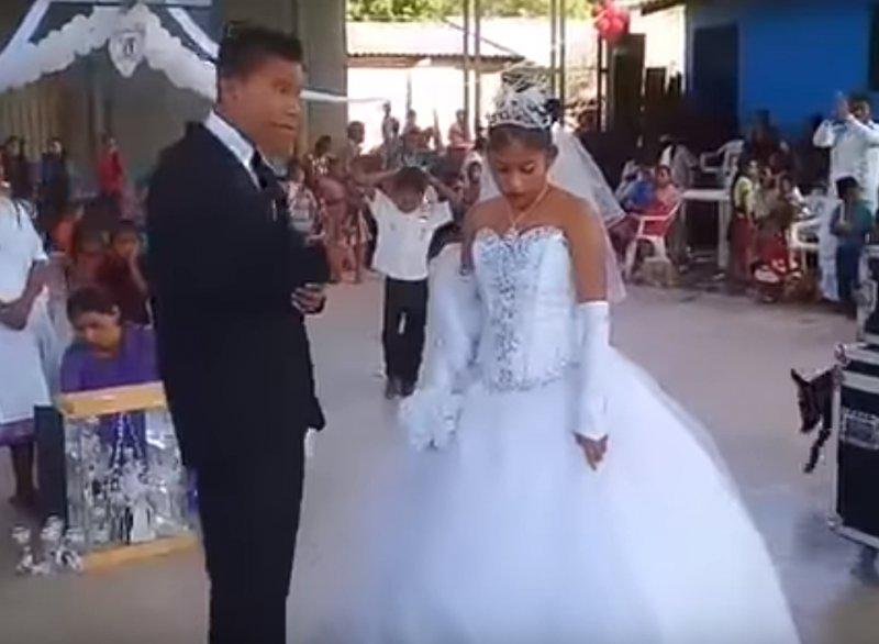 """boda arreglada incomodos e1520543053537 - """"La boda más triste de México"""", el caso que se ha vuelto viral en Internet"""