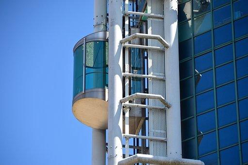 skyscraper 1542311 340 - 엘리베이터가 '추락' 할 때 살아남을 수 있는 '방법' (영상)
