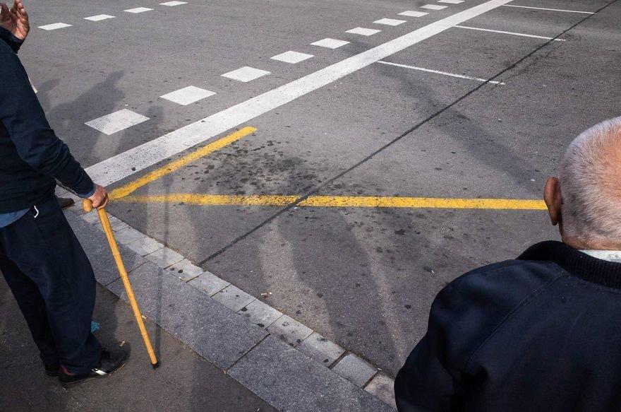 Unusual-Candid-Street-Photography-Hopscotch-Pau-Buscato