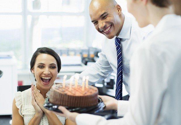 amizade no trabalho.jpg?resize=1200,630 - Estudos mostram que trabalhar com amigos nos torna mais produtivos