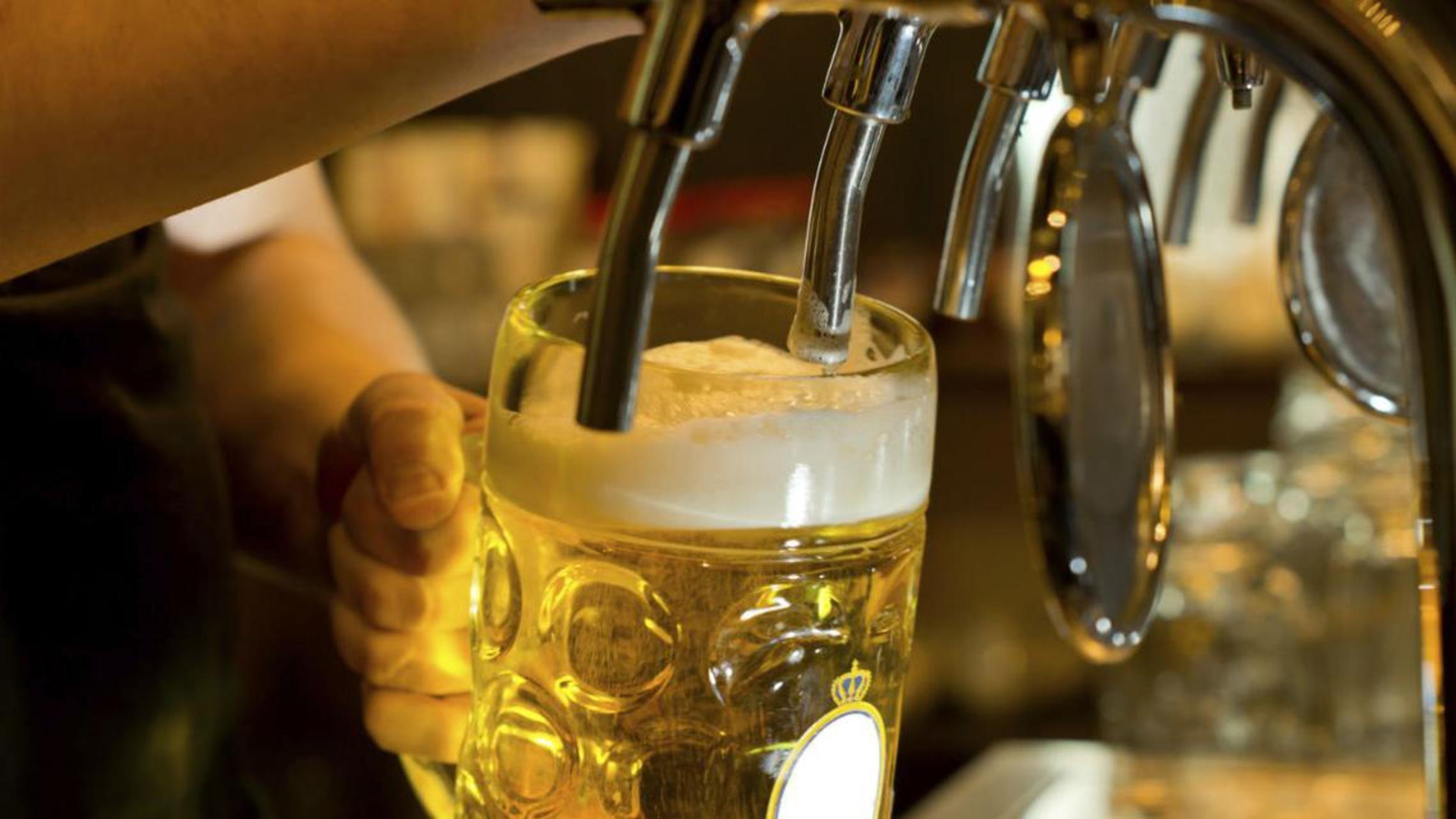 beer bar file1200 - Bebidas alcoólicas são mais eficazes que paracetamol para aliviar a dor, diz estudo