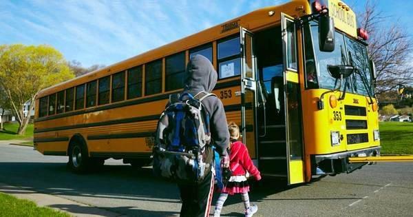 chauffeur de bus-envoie-lettre-aux-parents-1