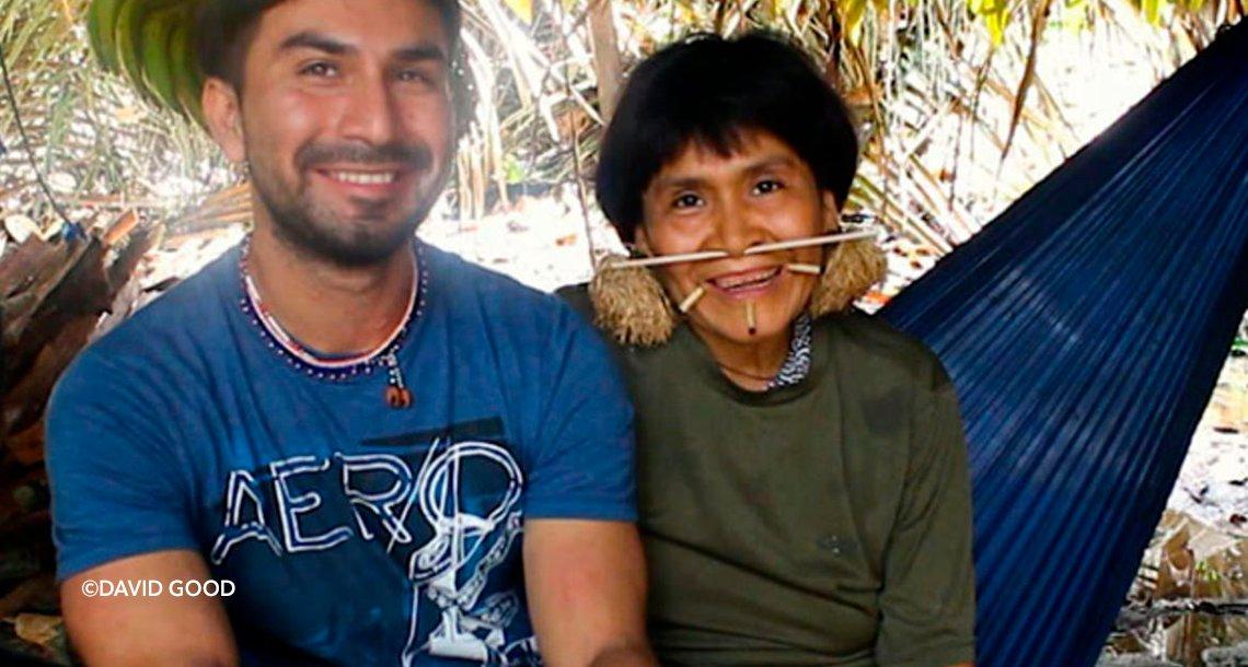 cover 4ama 1.png?resize=300,169 - La asombrosa historia de amor entre un antropólogo estadounidense y una mujer de la tribu Yanomami