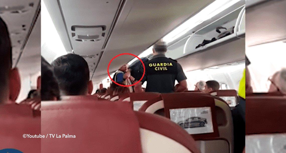 cover 4avion - Expulsan de un avión a un hombre que lanzó gritos racistas a una azafata
