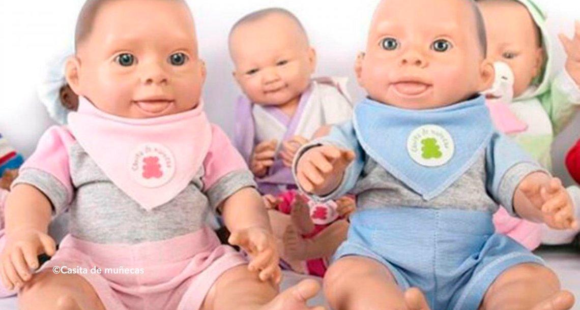 cover 4cdown.png?resize=1200,630 - Crean muñecos bebés con apariencia de síndrome de Down