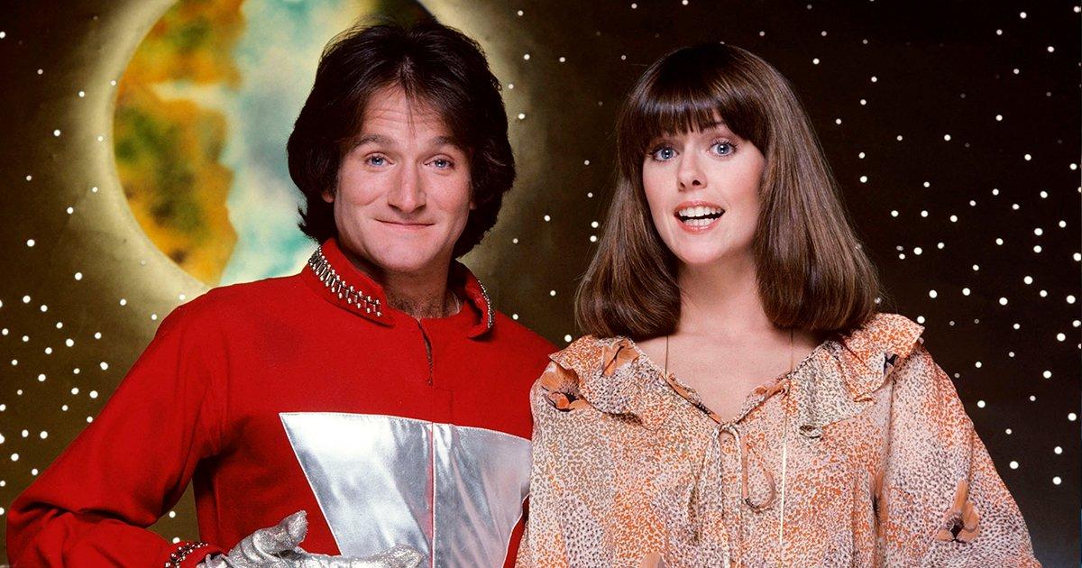 cover22mym - Aseguran que Robin Williams manoseaba a su compañera en un set de TV