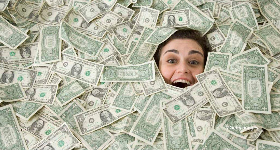 dine.png?resize=300,169 - Estudio revela cuánto dinero se necesita para ser feliz