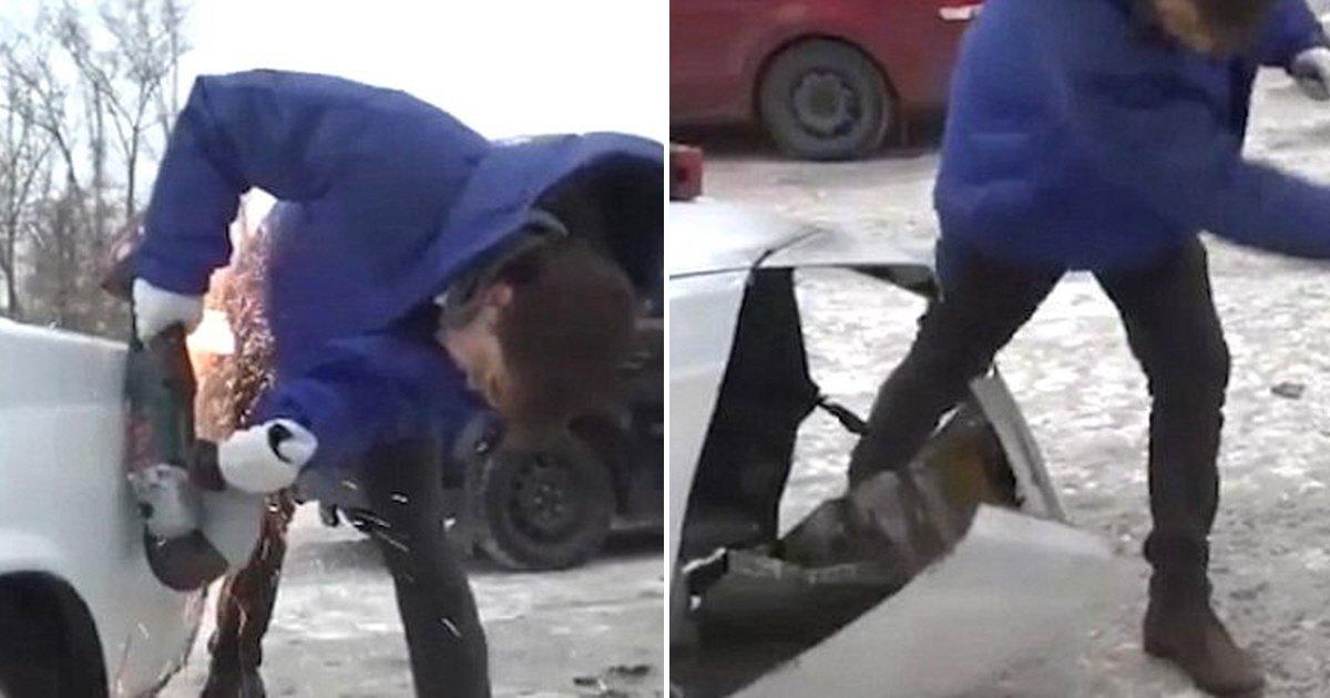eca09cebaaa9 ec9786ec9d8c 42 - Sueño de todos los conductores: Ruso furioso corta parte del auto mal estacionado (video)