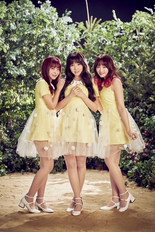 former ske48 mikami yuya 201802270843132410 1 - 元SKE48三上悠亜、韓国でデビュー前にSNSでエロ画像連投!