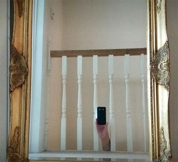 funny-people-sell-mirrors-reflections-4