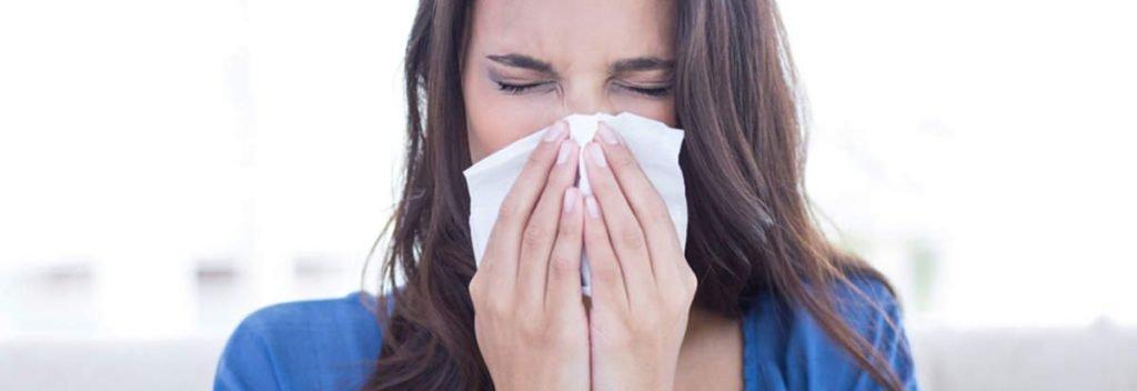 header rinite consulta remedios - Tchau, rinite! Vacina promete livrar de crises de espirro e nariz entupido por anos.