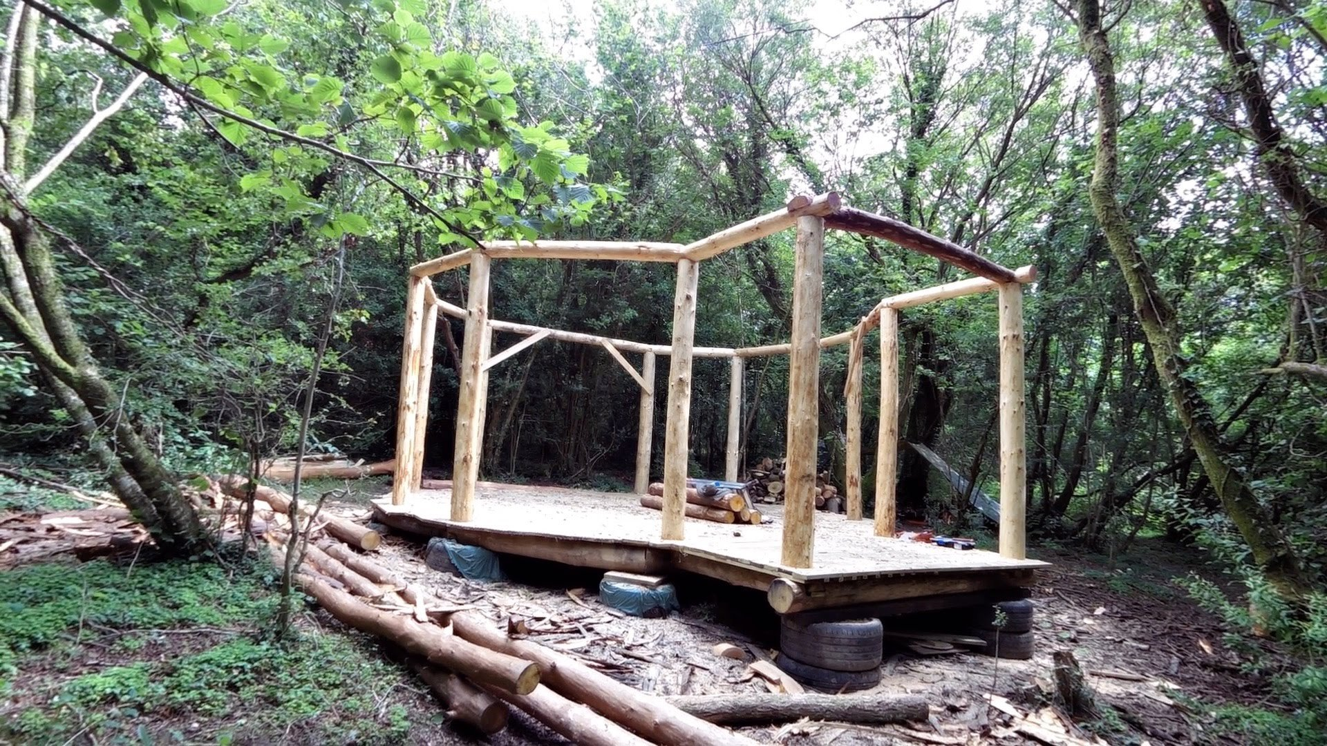 """hermit12 - After Aspiring Hermit Spends Savings Plus Labor Hours Creating Home, His Incredible """"Off-grid"""" Masterpiece is Revealed"""