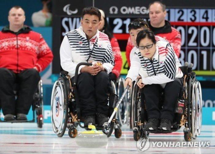 korean wheelchair curling which is called as the kingdom of the country pkd6q13e1b3a02on1r09 - '알까기의 나라'로 불릴 정도인 대한민국 휠체어 컬링 수준