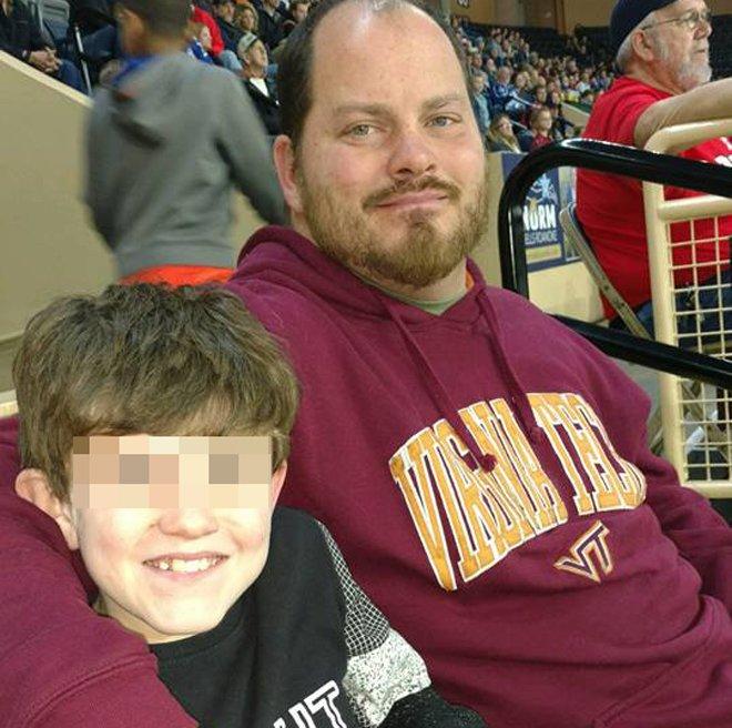 obligo su hijo ir corriendo al colegio por hacerle bullying sus companeros 15204077607789 - Obligó a su hijo a ir corriendo al colegio por hacerle bullying a sus compañeros
