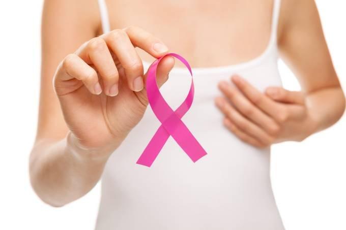 saude cancer de mama 20150517 001.jpg?resize=648,365 - Mulher termina quimioterapia e recebe 500 flores do marido