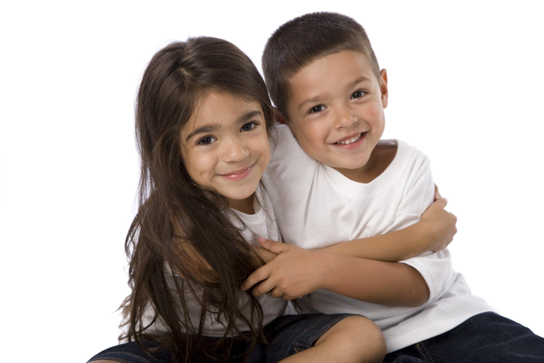 """siblings 1.jpg?resize=1200,630 - Confira o lindo texto de Bruna Estrela, """"Tenham filhos"""" que viralizou na internet"""