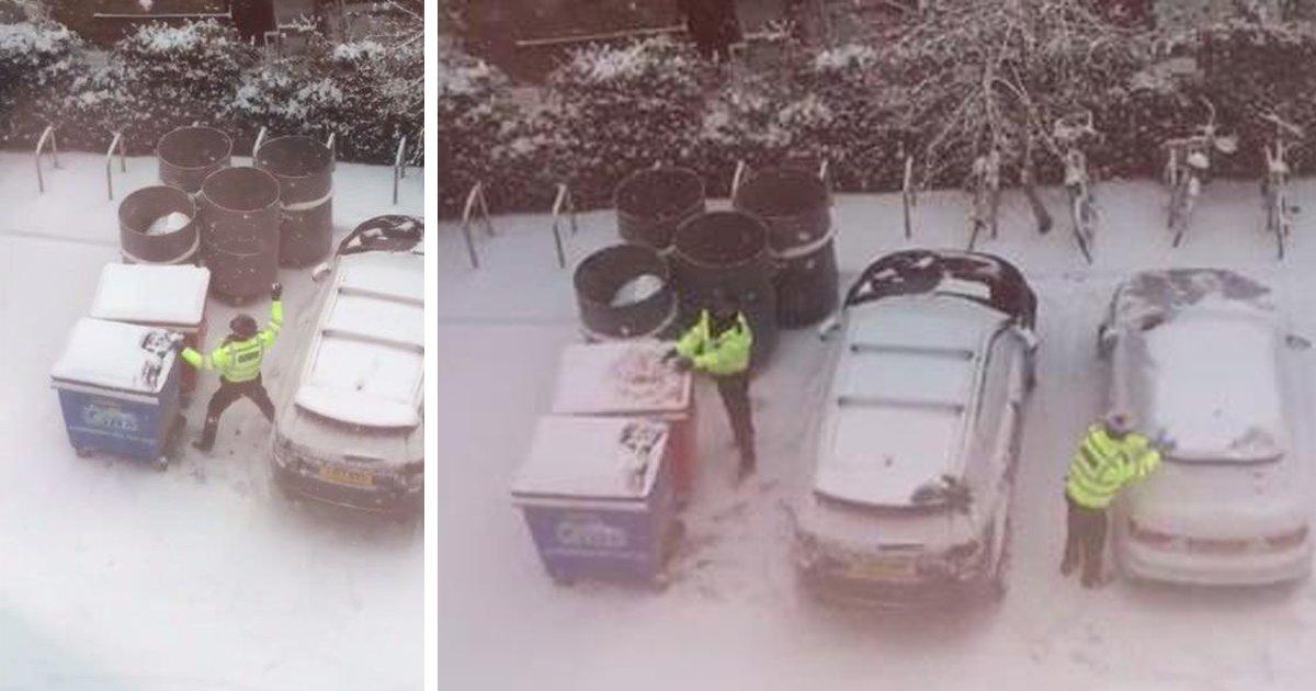 thumbnail5godadadr.png?resize=300,169 - Policiais são flagrados brincando de guerra de bolas de neve antes de seu turno começar