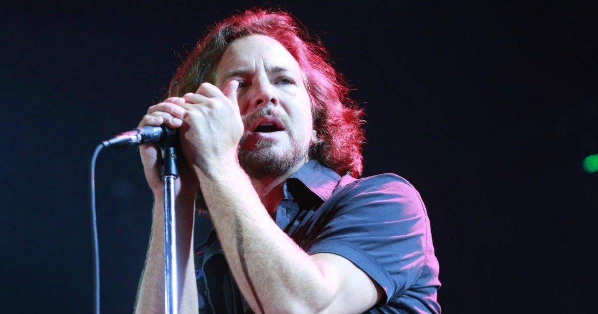 vedder - Líder do Pearl Jam faz discurso em apoio às mulheres durante show