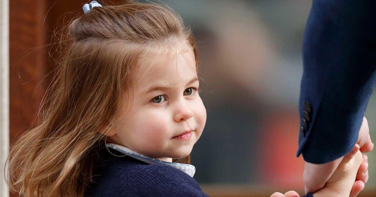 123 5.jpg?resize=412,232 - Avec l'arrivée de son petit frère, c'est la Princesse Charlotte qui marque l'Histoire d'une pierre blanche.