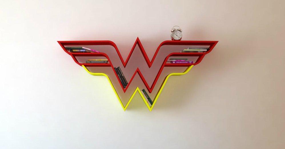 8eec5b36177525.jpg?resize=1200,630 - Conheça estas estante lindas inspiradas em Super-heróis!