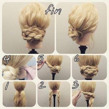 低い位置でツインテールにして三つ編みにします。片方の三つ編みをぐるっと巻いてピンで留めて、もう一つも同じようにしたら完成。簡単なのにきちんと感のあるヘアアレンジに♪