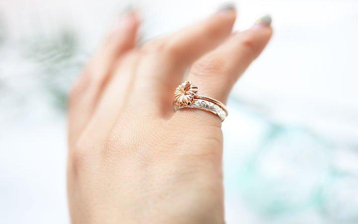 右手小指 指輪에 대한 이미지 검색결과